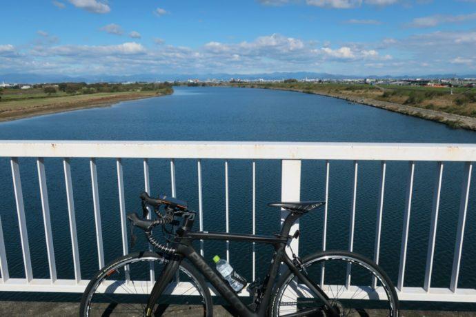 <p>海津市の現場まで自転車で行きました</p>