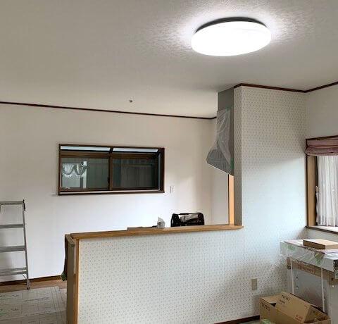 <p>キッチンが明るくなりました</p>